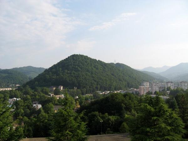 Город курорт дагомыс находится в 12 км