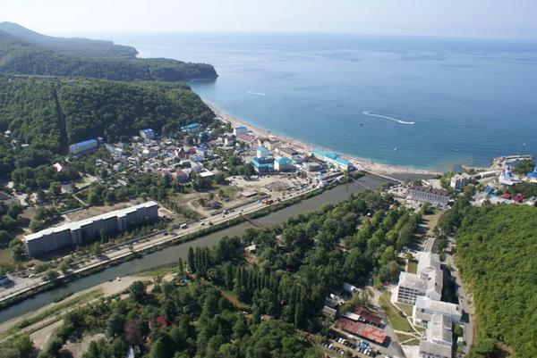 Вид на поселок новомихайловский отдых